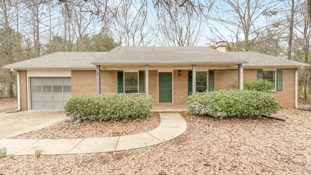 Photo 1 of 17 - 60 Holly Creek Dr, Covington, GA 30016