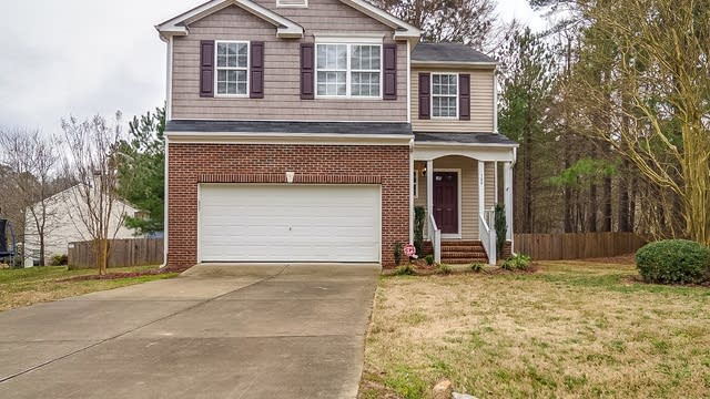 Photo 1 of 25 - 100 River Hills Dr, Clayton, NC 27527