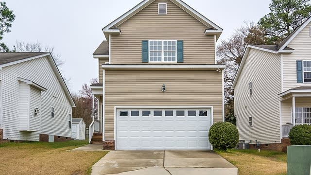 Photo 1 of 16 - 4249 Beacon Crest Way, Raleigh, NC 27604