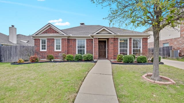 Photo 1 of 25 - 8748 Bloomfield Ter, Fort Worth, TX 76123
