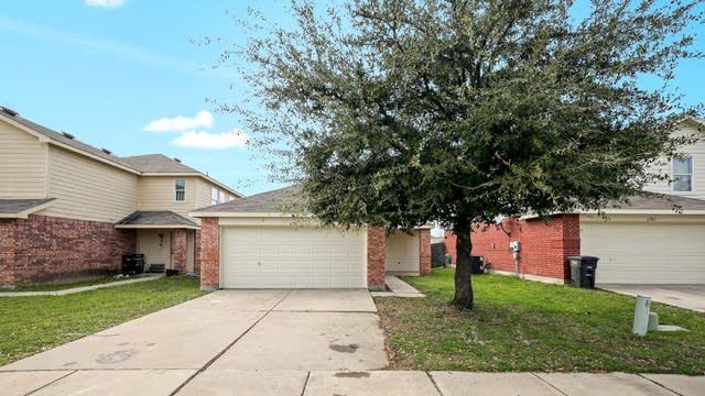 Photo 1 of 25 - 6701 Waterhill Ln, Fort Worth, TX 76179