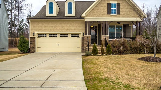 Photo 1 of 20 - 1424 Padstone Dr, Apex, NC 27502