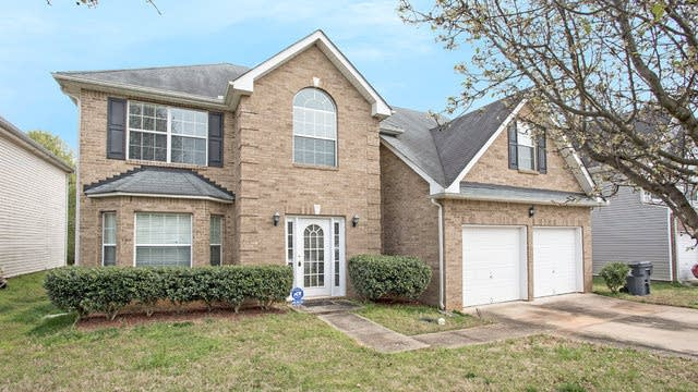 Photo 1 of 17 - 1912 Sandy Trail Dr, Hampton, GA 30228