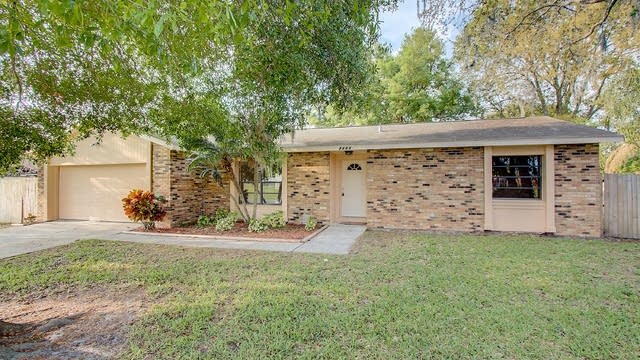 Photo 1 of 32 - 2655 Ames Haven Rd, Kissimmee, FL 34744