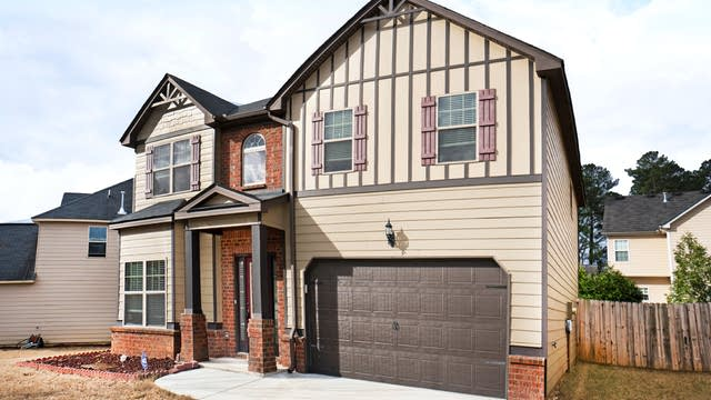 Photo 1 of 17 - 3771 Zoey Lee Dr, Snellville, GA 30039