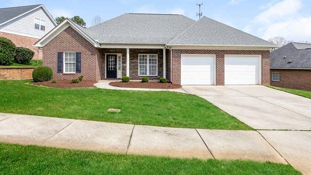 Photo 1 of 25 - 2148 Brookberry Ln, Charlotte, NC 28056