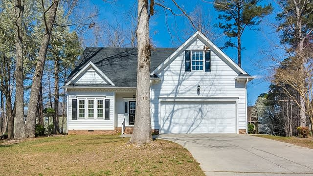 Photo 1 of 20 - 104 Merrimont Way, Holly Springs, NC 27540