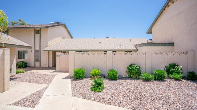 Photo 1 of 19 - 4714 W Continental Dr, Glendale, AZ 85308