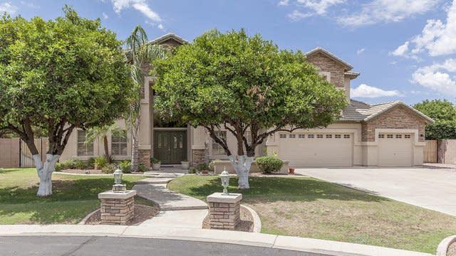 Photo 1 of 32 - 4337 E Fairbrook Cir, Mesa, AZ 85205