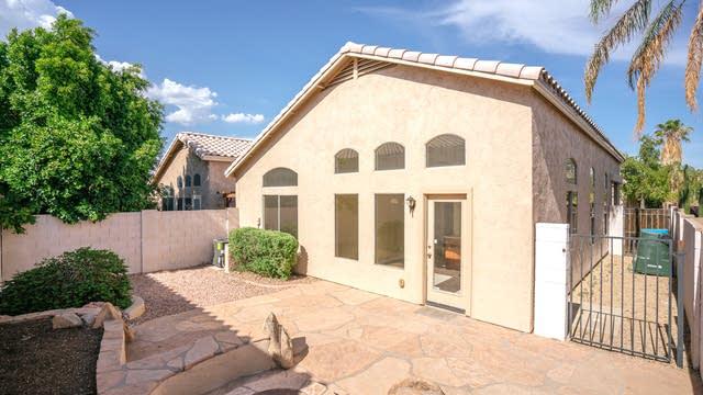 Photo 1 of 23 - 20040 N 13th Dr, Phoenix, AZ 85027