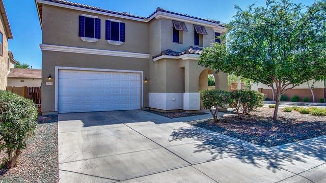 Photo 1 of 27 - 1137 E Hampton Ln, Gilbert, AZ 85295