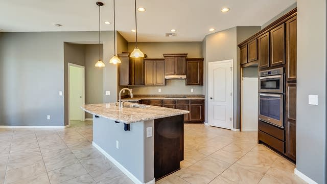 Photo 1 of 29 - 29151 N 70th Ave, Peoria, AZ 85383