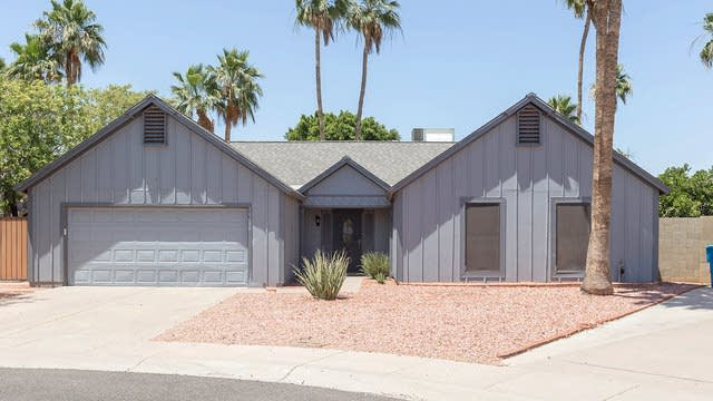 Photo 1 of 27 - 10210 S 45th Pl, Phoenix, AZ 85044