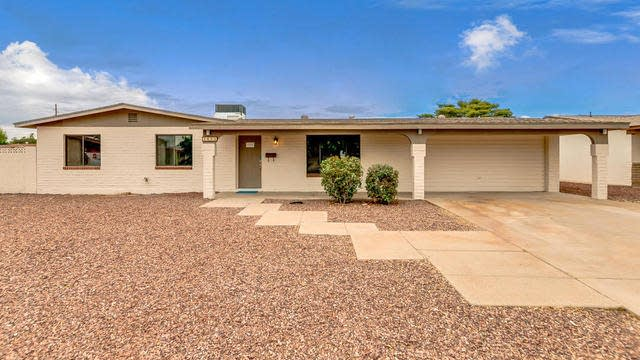 Photo 1 of 31 - 3824 W Barnes Ln, Phoenix, AZ 85051