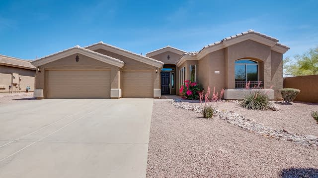 Photo 1 of 30 - 8211 E Apache Plumb Dr, Gold Canyon, AZ 85118
