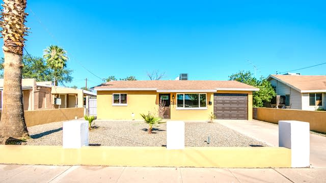 Photo 1 of 22 - 1041 N 27th Pl, Phoenix, AZ 85008