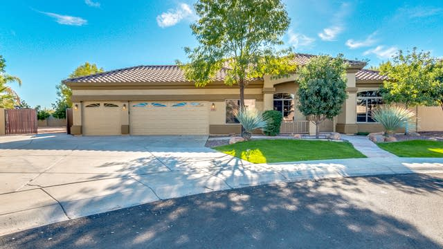 Photo 1 of 26 - 1783 S Red Rock St, Gilbert, AZ 85295