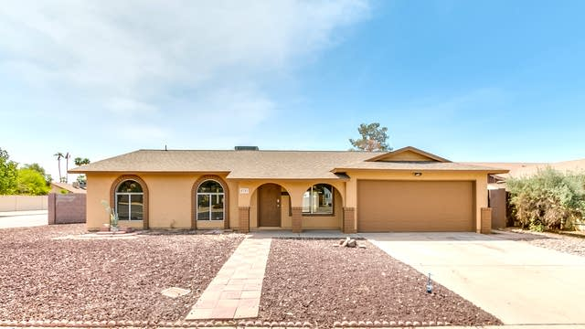 Photo 1 of 25 - 4701 W Charleston Ave, Glendale, AZ 85308