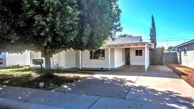 Photo 1 of 26 - 7010 N 76th Dr, Glendale, AZ 85303