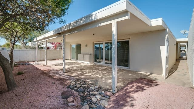 Photo 1 of 25 - 8745 E Monterosa Ave, Scottsdale, AZ 85251