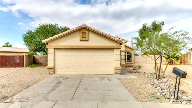Photo 1 of 33 - 8440 W College Dr, Phoenix, AZ 85037