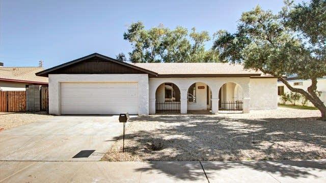 Photo 1 of 25 - 5048 W Christy Dr, Glendale, AZ 85304
