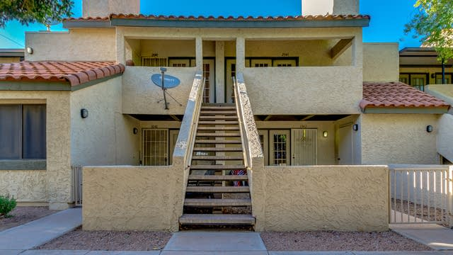 Photo 1 of 18 - 30 E Brown Rd #2041, Mesa, AZ 85201
