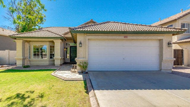Photo 1 of 21 - 7229 E Natal Ave, Mesa, AZ 85209