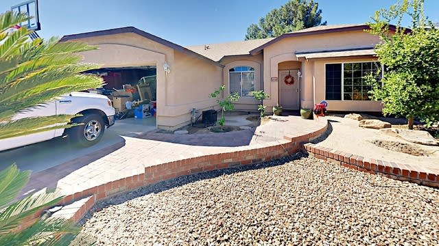Photo 1 of 27 - 8943 W Tuckey Ln, Glendale, AZ 85305
