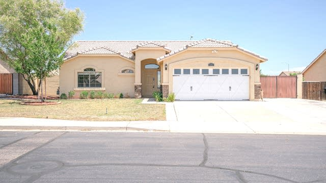 Photo 1 of 24 - 645 N Overland, Mesa, AZ 85207