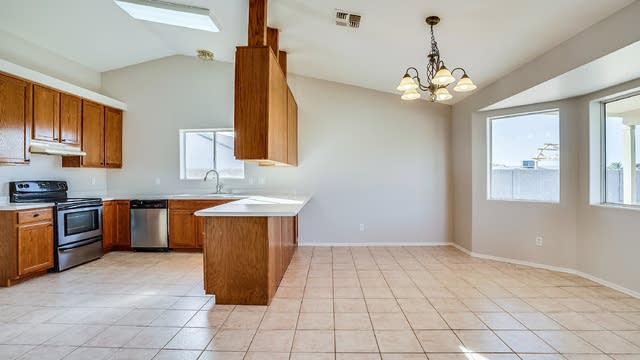 Photo 1 of 20 - 626 N 99th St, Mesa, AZ 85207