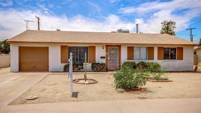 Photo 1 of 15 - 4826 N 69th Dr, Phoenix, AZ 85033