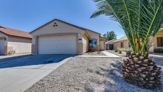 Photo 1 of 31 - 40201 N Cassara Dr, San Tan Valley, AZ 85140