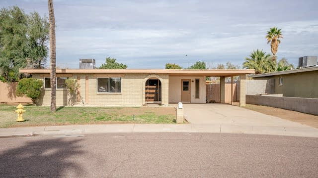 Photo 1 of 30 - 3030 W Shaw Butte Dr, Phoenix, AZ 85029