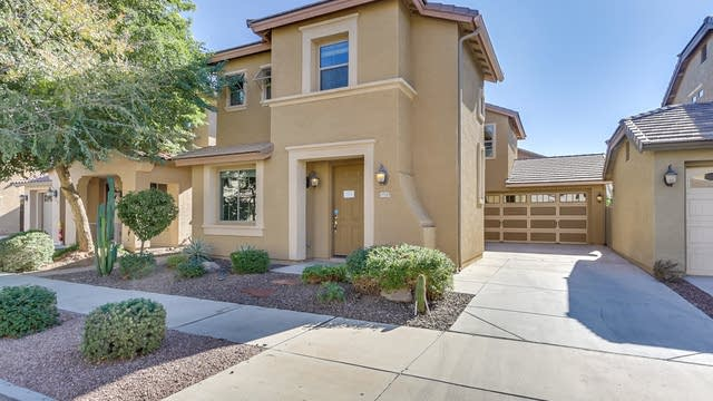 Photo 1 of 33 - 19145 E Swan Dr, Queen Creek, AZ 85142