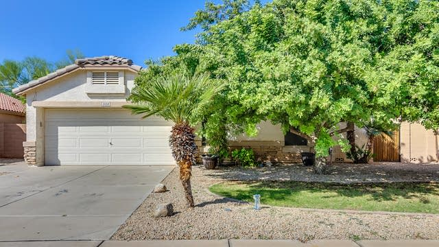 Photo 1 of 26 - 2058 S Voyager Dr, Gilbert, AZ 85295