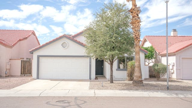 Photo 1 of 22 - 18418 N 36th Dr, Glendale, AZ 85308