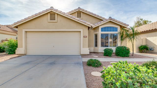 Photo 1 of 28 - 1505 W Lobster Trap Dr, Gilbert, AZ 85233
