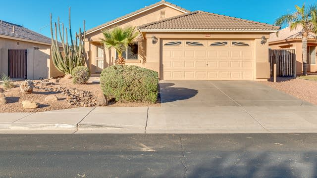 Photo 1 of 25 - 9756 E Knowles Ave, Mesa, AZ 85209