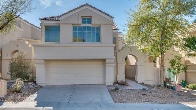 Photo 1 of 33 - 1139 E Amberwood Dr, Phoenix, AZ 85048