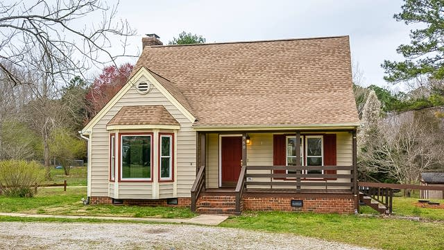 Photo 1 of 18 - 960 Hicks Rd, Youngsville, NC 27596