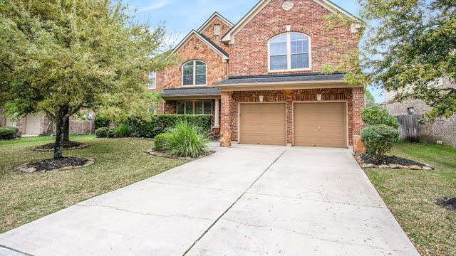 Photo 1 of 17 - 2807 Golden Larch Dr, Katy, TX 77494