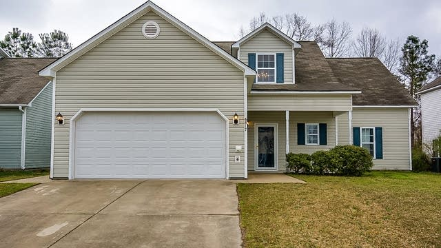Photo 1 of 19 - 6817 Paint Rock Ln, Raleigh, NC 27610