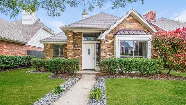 Photo 1 of 25 - 2253 Meadowstone Dr, Carrollton, TX 75006