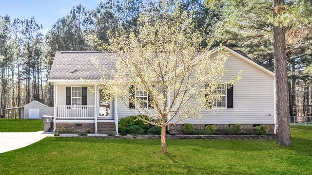 Photo 1 of 25 - 236 Sommerset Dr, Clayton, NC 27520