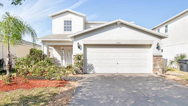 Photo 1 of 17 - 7729 Carriage Pointe Dr, Gibsonton, FL 33534