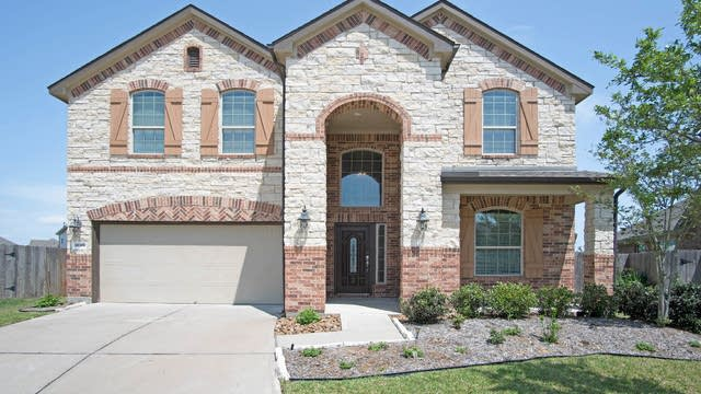 Photo 1 of 17 - 18318 Bridle Meadow Ln, Tomball, TX 77377