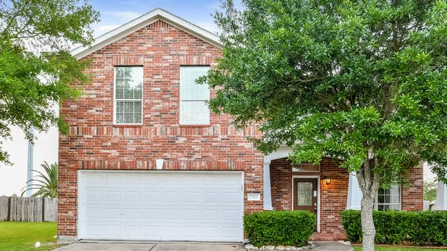 Photo 1 of 26 - 2503 Cypress Springs Ct, Pearland, TX 77584