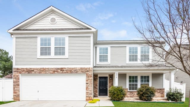 Photo 1 of 25 - 3319 Wrangler Ln, Charlotte, NC 28213