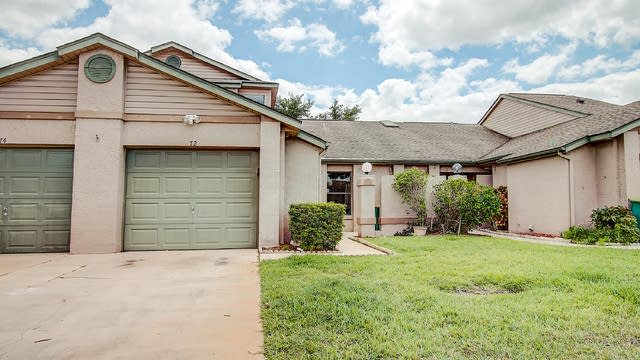 Photo 1 of 28 - 72 Lakepointe Cir, Kissimmee, FL 34743